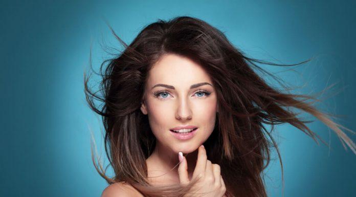Pantene Aqua Light sprej za kosu
